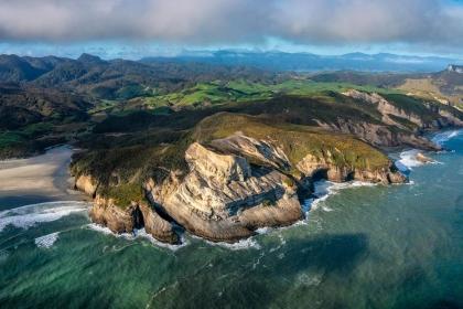 New Zealand's Golden Shores