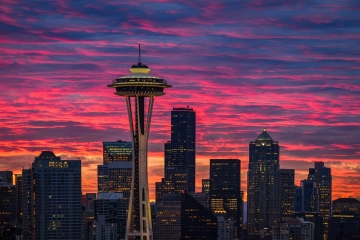 Two days after creating a panorama of the city from Kerry Park, I returned for another spectacular sunrise. I focused here on the best morning color and the Space Needle with the Seattle skyline.